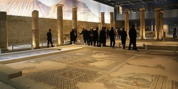 Record number of tourists visit Zeugma mosaic museum