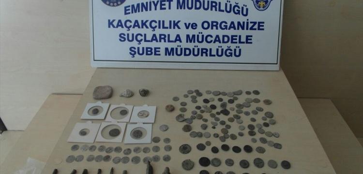 Uşak'ta kaçak tarihi eser yakalandı