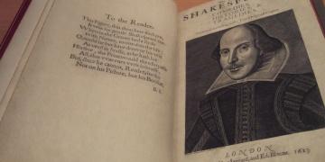 First Folionun kopyası İskoçyada bulundu