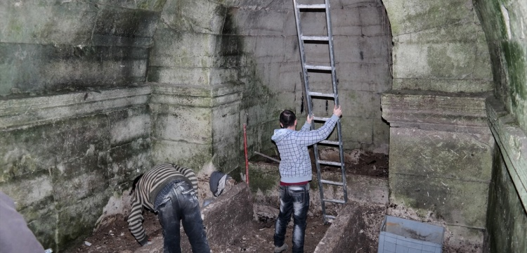 Kütahya'da 2 bin yıllık mezar odası bulundu