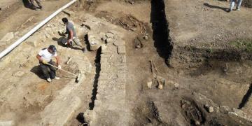Amasradaki kazı alanında bulunan insan iskeletleri 800 yıllık