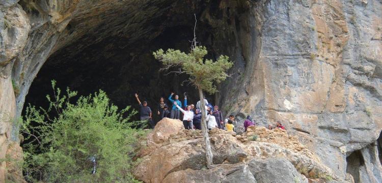 Konya'da farkındalık oluşturmak için mağara yürüyüşü
