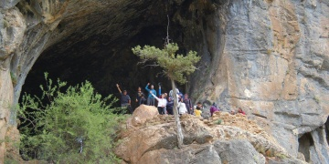 Konyada farkındalık oluşturmak için mağara yürüyüşü