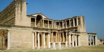 Sardes antik kentine gönüllü tanıtım elçileri