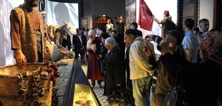 Haydi Türkiye bayramda ailece müzelere