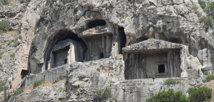 Amasya Harşena Dağı ve Pontus Kral Kaya Mezarları (Amasya) [2015]