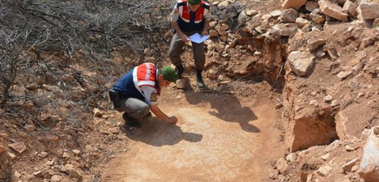 Antalya'da kaçak kazı'dan kilise ve yerleşim yeri çıktı