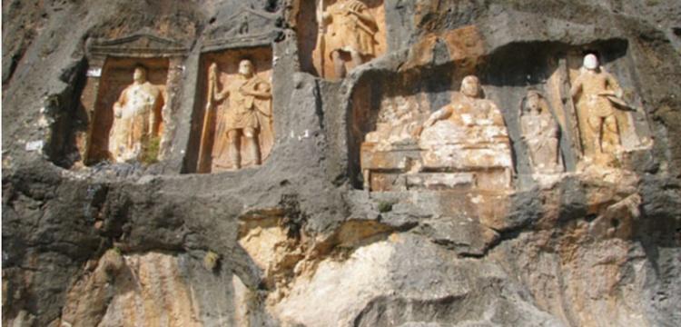 Kültürel ve Doğal Mirası İzleme Platformu'ndan Adamkayalar çağrısı