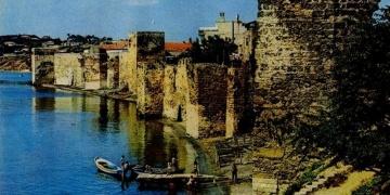 Ceneviz Ticaret Yolunda Akdenizden Karadenize Kadar Kale ve Surlu Yerleşimleri