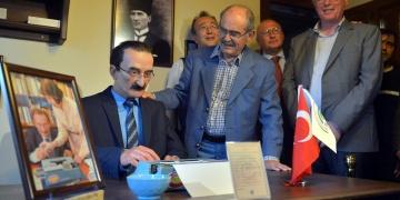Eskişehirde Tayfun Talipoğlu Daktilo Müzesi açıldı