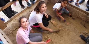 Müzeler Haftasında öğrenciler kazı çalışması yaptı