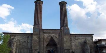 Restorasyonu biten 250 tarihi eser için toplu açılış yapıldı