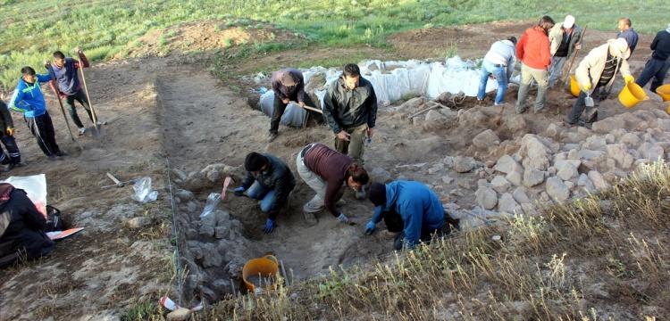 Uşaklı Höyük 2018 arkeoloji kazılarının buluntuları masaya yatırıldı