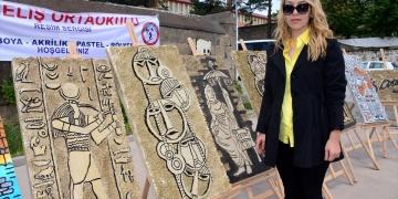 Bitliste öğrenciler rölyef sergisi açtılar