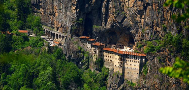 Sümela Manastırı restorasyonunun 2. etabı tamamlanarak ziyarete açıldı