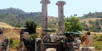Artemis Tapınagını kadınlar temizliyor