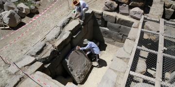 Erzincan Altıntepe Kalesinde kazı çalışmaları