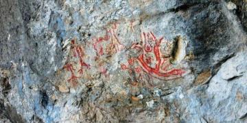 Balıkesirde Mağaralarda 8 Bin Yıllık Duvar Resimleri Bulundu