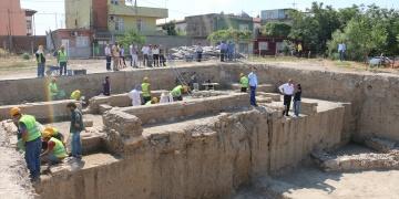 Adana Tepebağ Höyüğündeki kazı çalışmaları