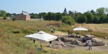 Edirne Yeni Sarayındaki kazı çalışmaları devam ediyor