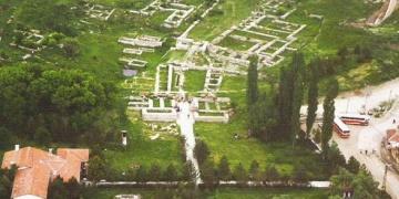Alacahöyükte 2.300 yıllık gizli geçit bulundu