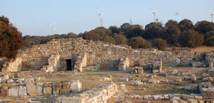 Kültür Bakanı Ersoy'a Kyme Antik Kenti'ne dair 5 soru soruldu
