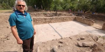Yonca tarlası arkeolojik kazı alanı oldu