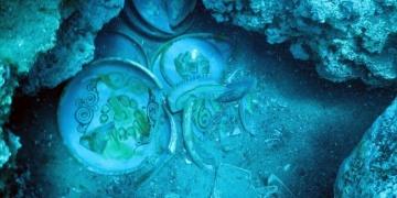 Antalyadaki Batık Gemide arkeolojik çalışma