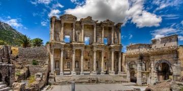 Efes kazıları durduruldu