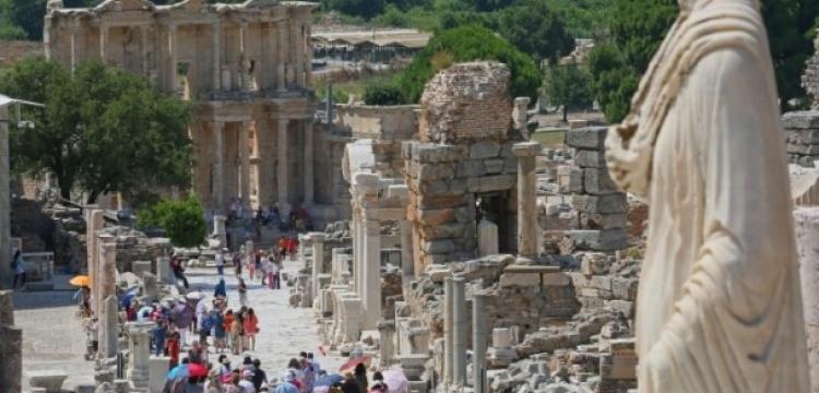 Arkeolog Cengiz İçten: İzin verilmedi diye Efes batmaz