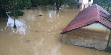 Arkeoloji ekibi fırtınada mahsur kaldı