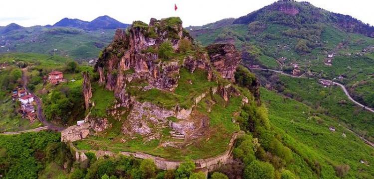 Ünye'de kaya mezarları incelendi