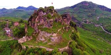 Ünyede kaya mezarları incelendi