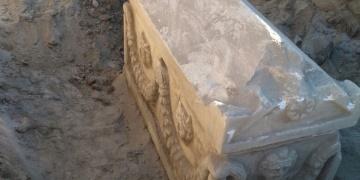 Karamanda tarihi eser operasyonunda lahit ve testi ele geçirildi