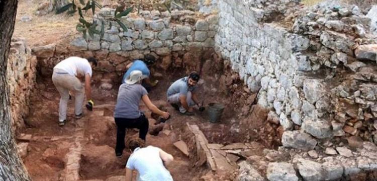 Myra Antik Kenti'nde Dört Oda Mezar Bulundu