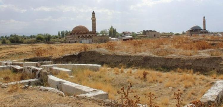 Eski Van Şehri'ndeki arkeoloji kazılarının hedefi: Türk-İslam kent dokusu
