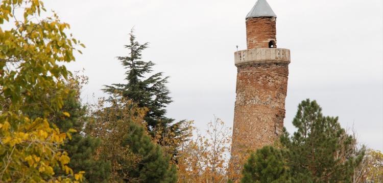 Elazığ'daki minarenin eğimi, Pisa Kulesi'nden fazla