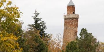 Elazığdaki minarenin eğimi, Pisa Kulesinden fazla