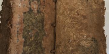 Adanada tarihi eser görünümü verilmiş defterle dolandırıcılık