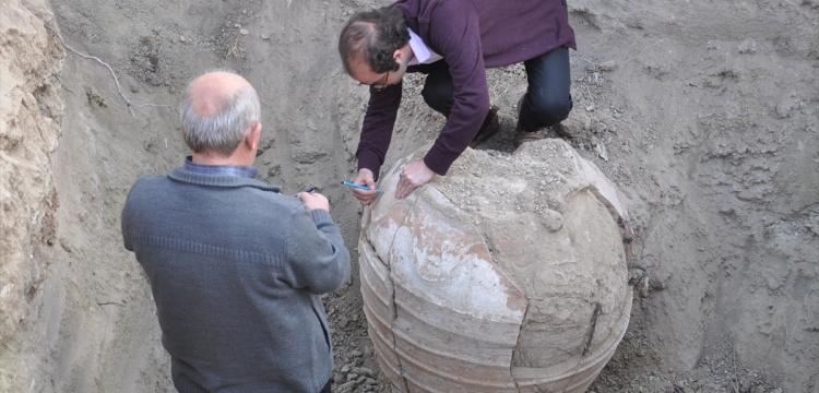 Nevşehir'de tarihi küp gün ışığına çıkarıldı