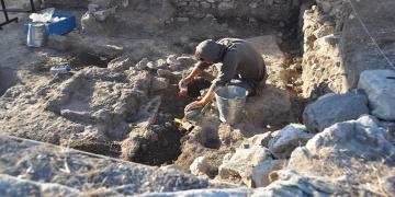 2.600 yıllık sağlam Lydia mutfağı bulundu