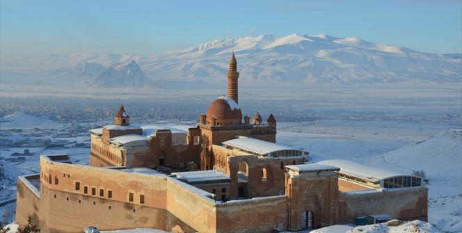 İshak Paşa Sarayının güzelliği büyülüyor