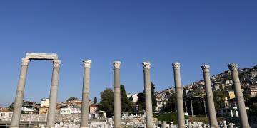 """Smyrna Agorası """"üç boyutlu kalkan""""la bin 500 yıldır ayakta"""