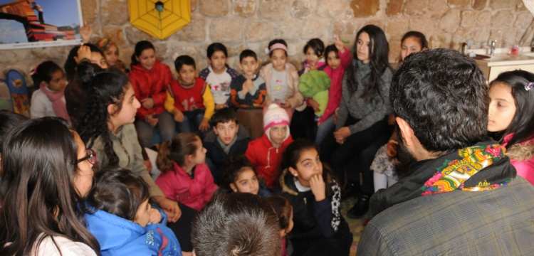 Mardin'de Öğrenciler Arkeoloji Müzesini Gezdi