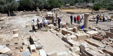 Stratonikeiada Bizans mezarları gün yüzüne çıktı