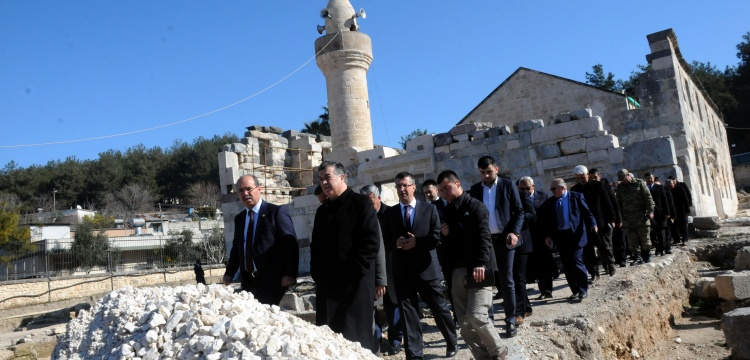 Osmaniye'deki Ala Cami restorasyon bekliyor!