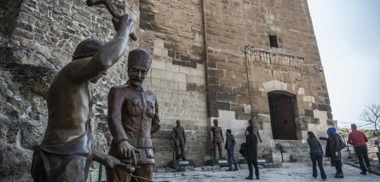 Antep savunmasını yaşatan tarihi kale