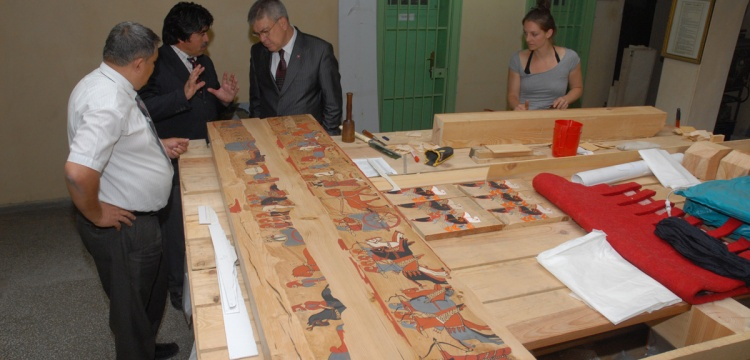 Tatarlı'nın eşsiz mezar odası sergilenmeyi bekliyor