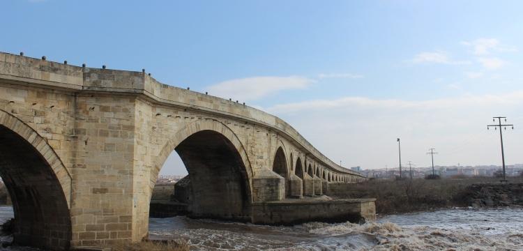 74 Kemeri çatlayan Uzunköprü onarım bekliyor