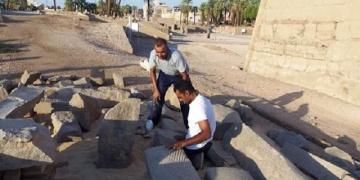 II. Ramsesin dev heykeli onarılıyor